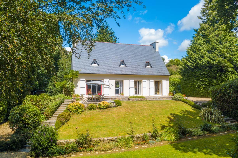 Photographie immobilière réalisée par drone par télépilote agréé DGAC, Finistère, Bretagne, 360 Des Légendes.