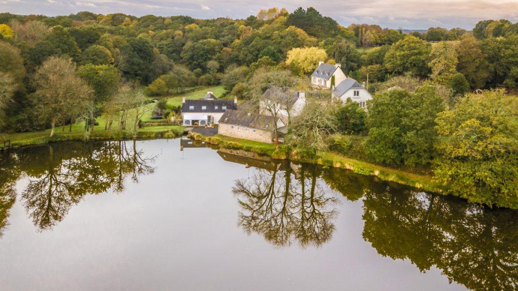 Photo aerienne maison par drone Bretagne